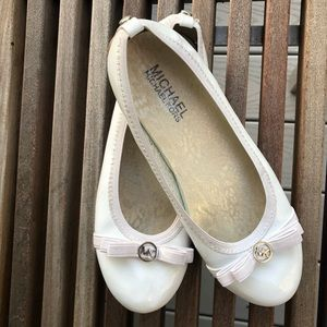 White Michael Kors Flats With Bows (Kids)